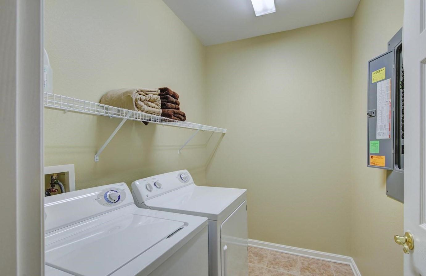 Bayside 204B - Laundry Area