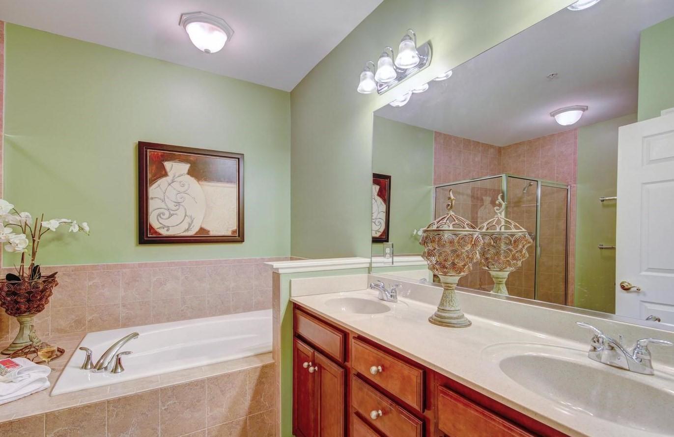 Bayside 204B - Master Bathroom