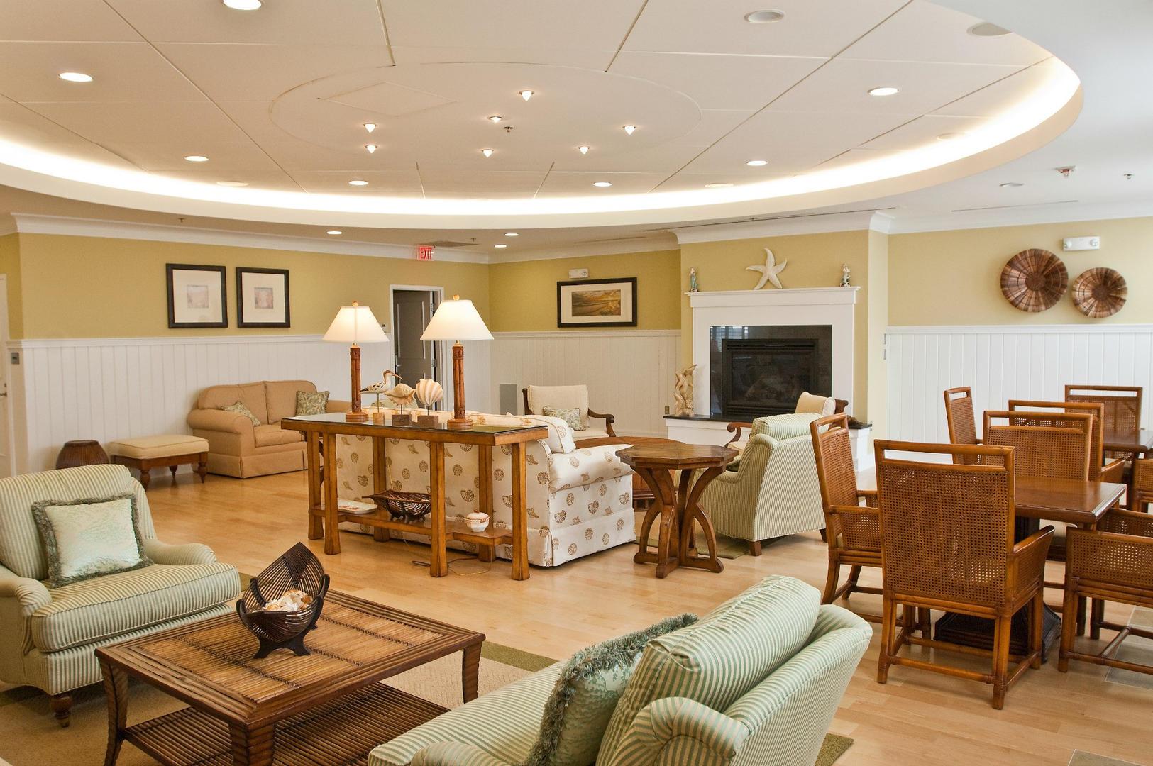 Sunset Island - Clubhouse Lounge