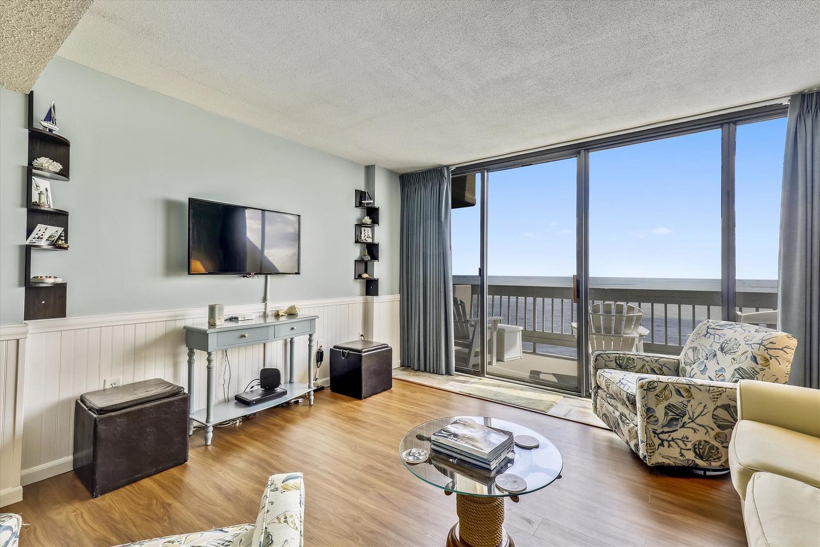Century I 2502 - Living Room