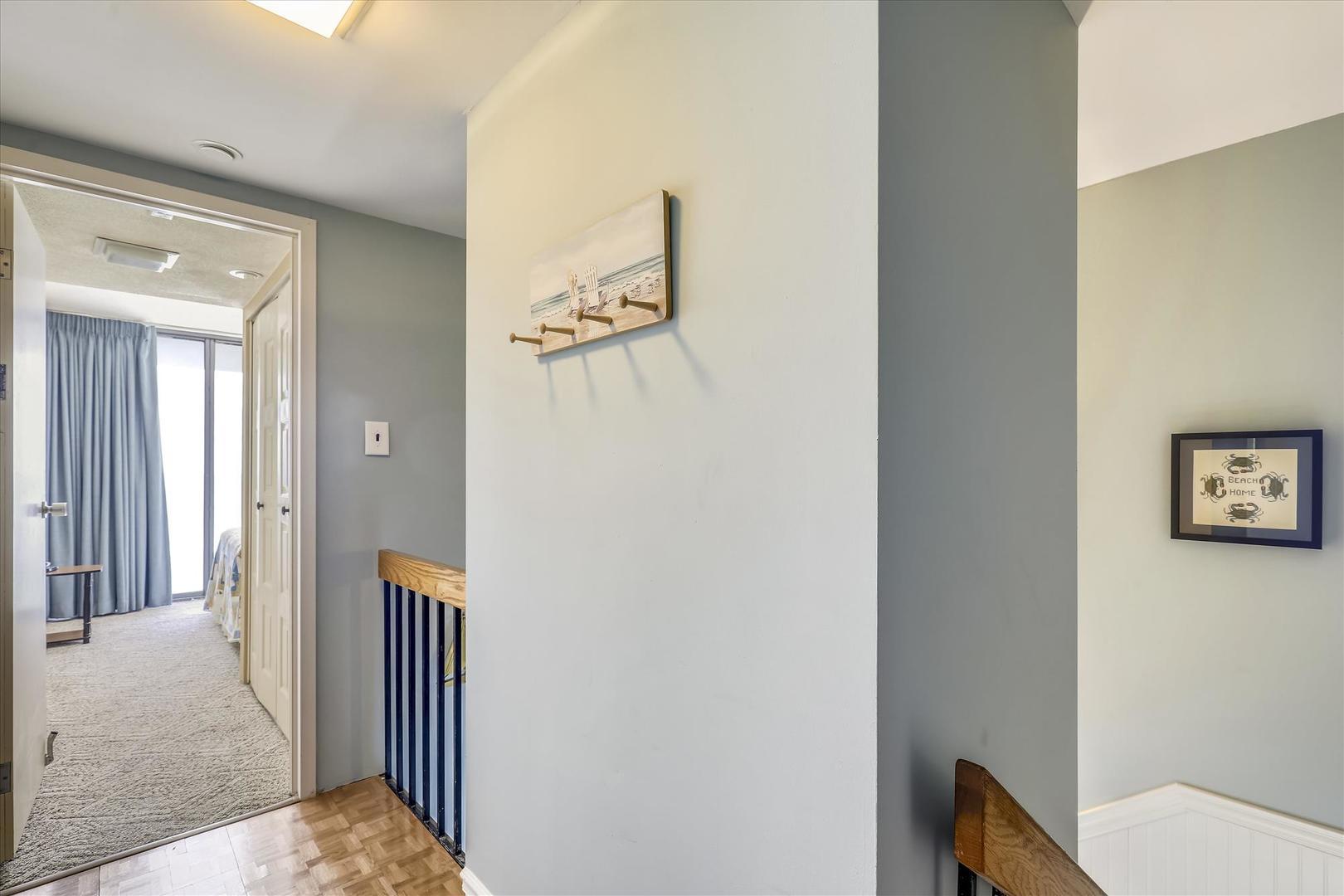 Century I 2502 - Second Floor Hallway