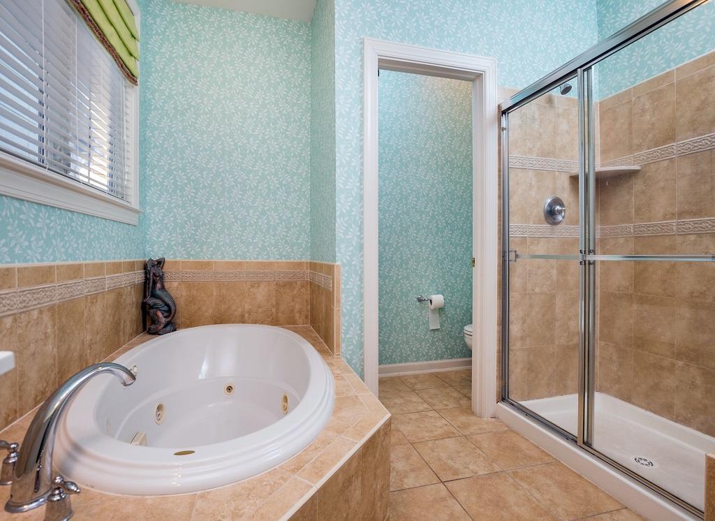 Sunset Island, 14 Shore Point Drive - Master Bathroom