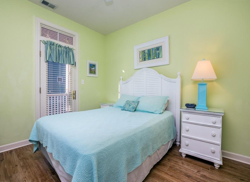 Sunset Island, 14 Shore Point Drive - Second Bedroom