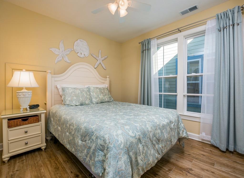 Sunset Island, 14 Shore Point Drive - Top Floor Bedroom