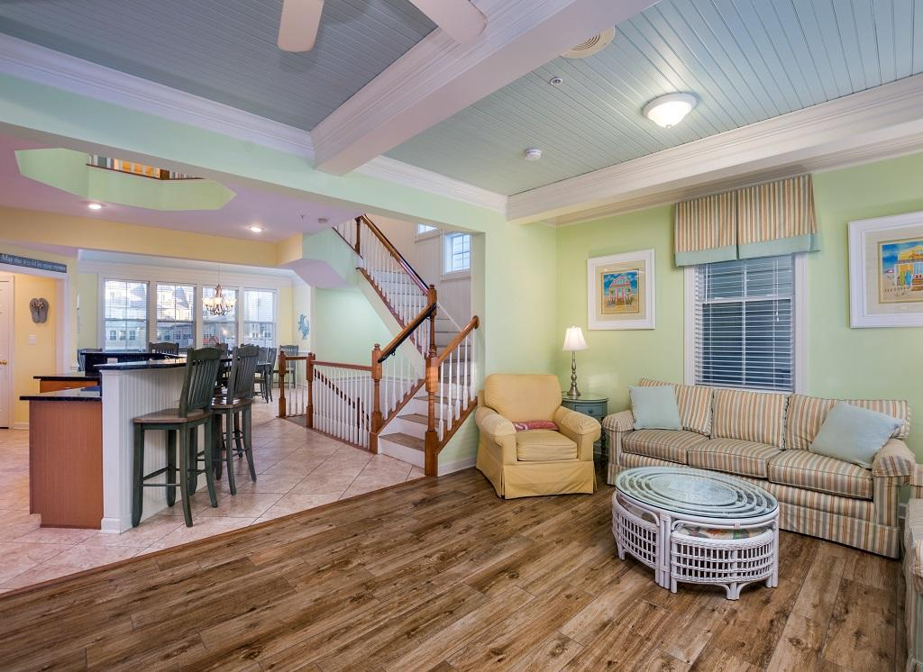 Sunset Island, 14 Shore Point Drive - Living Room