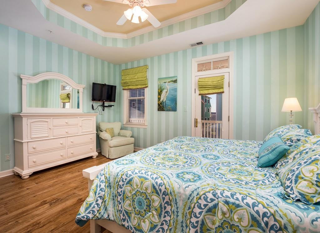 Sunset Island, 14 Shore Point Drive - Master Bedroom