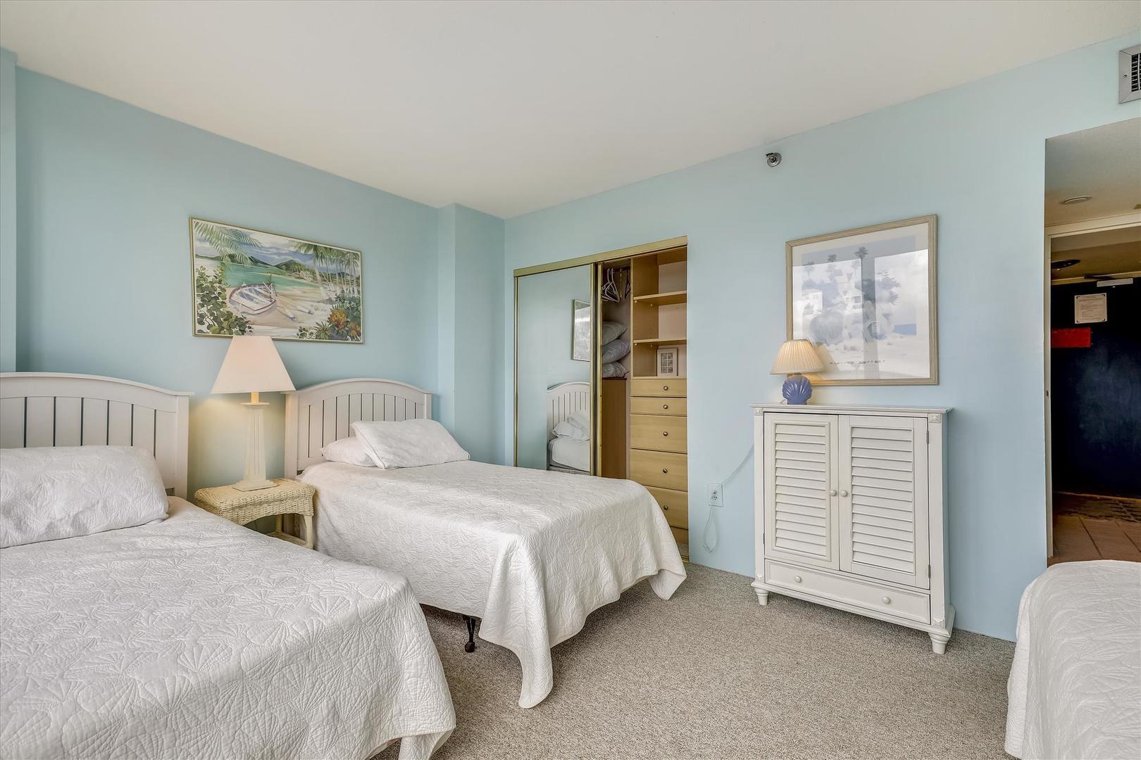 Century I 719 - Lower Level Bedroom