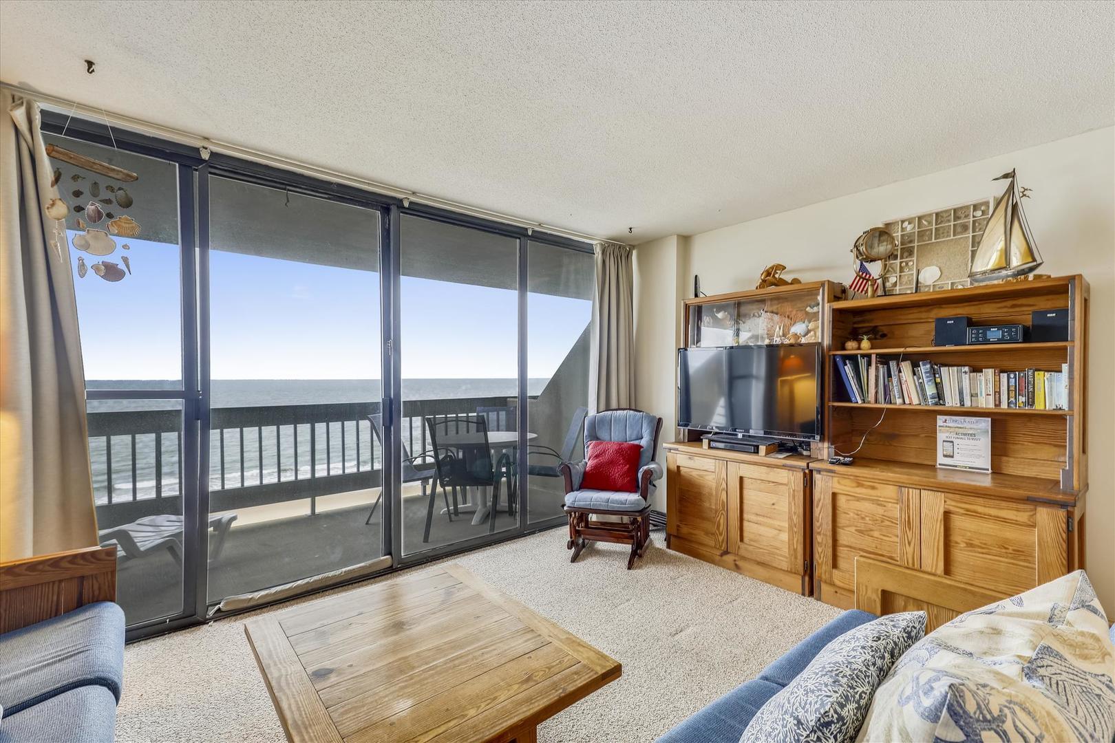 Century I 719 - Living Room