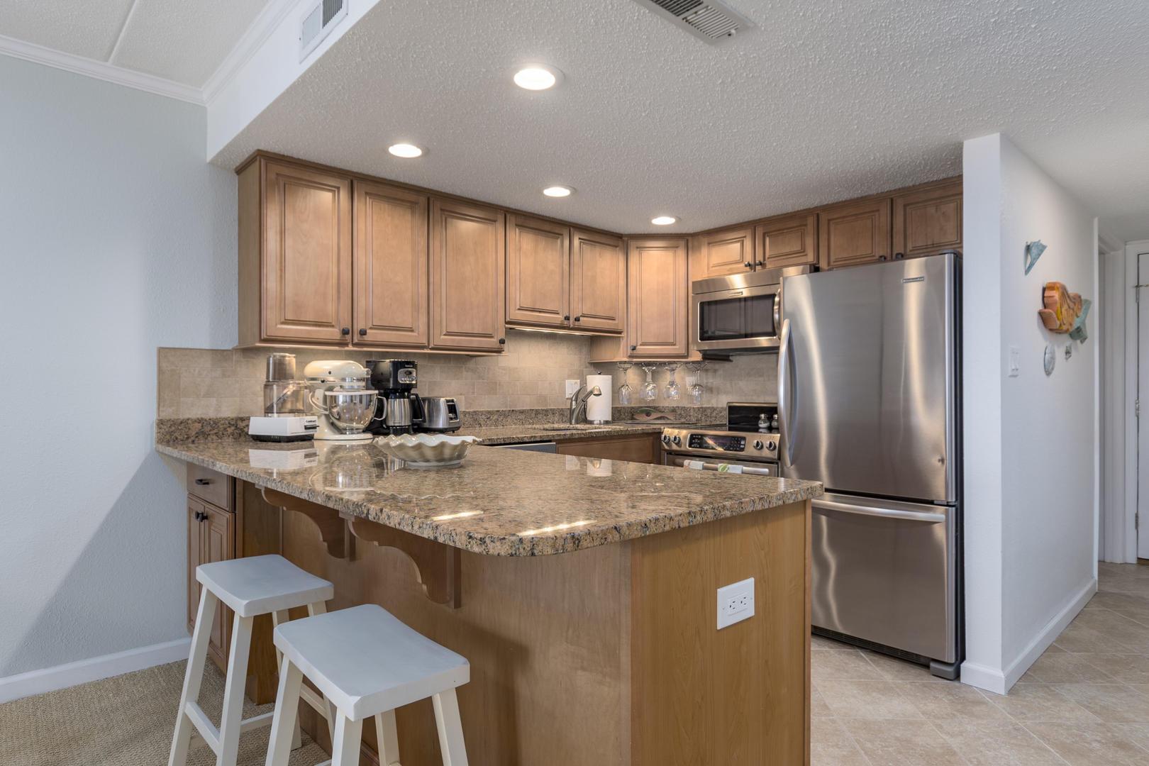 Pelican Beach 102 - Kitchen