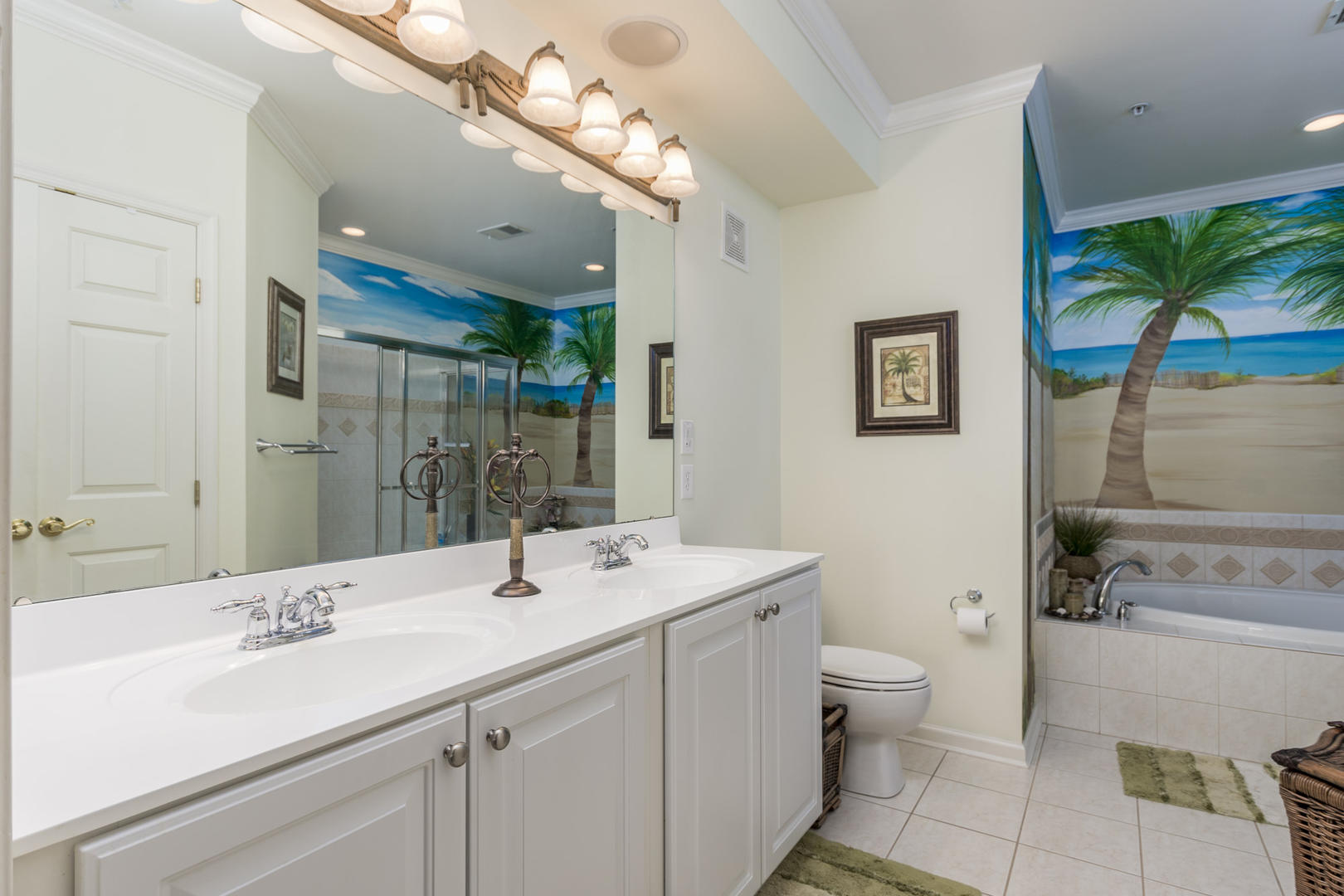Sunset Island 2 FDE 2B - Master Bathroom