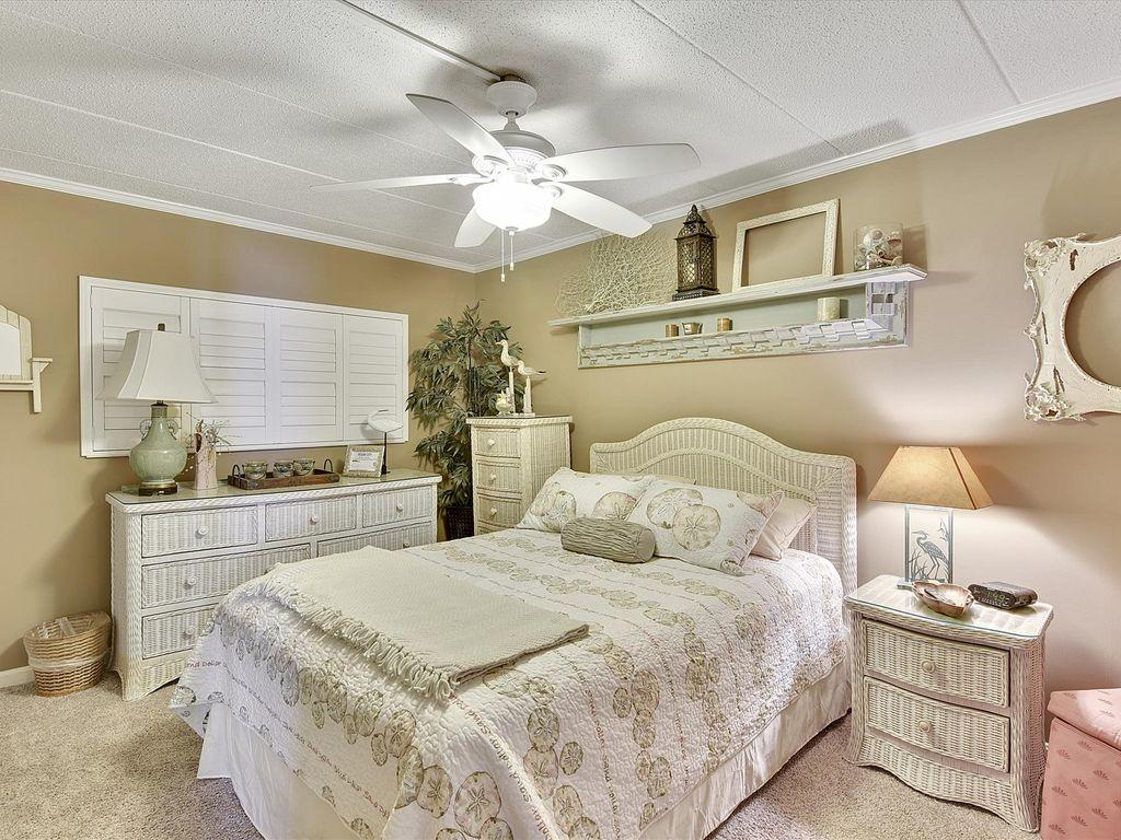 Harbour Island 102M - Master Bedroom