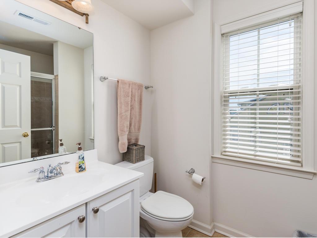 Sunset Island, 15 Canal Side Mews E - Top Floor Bathroom
