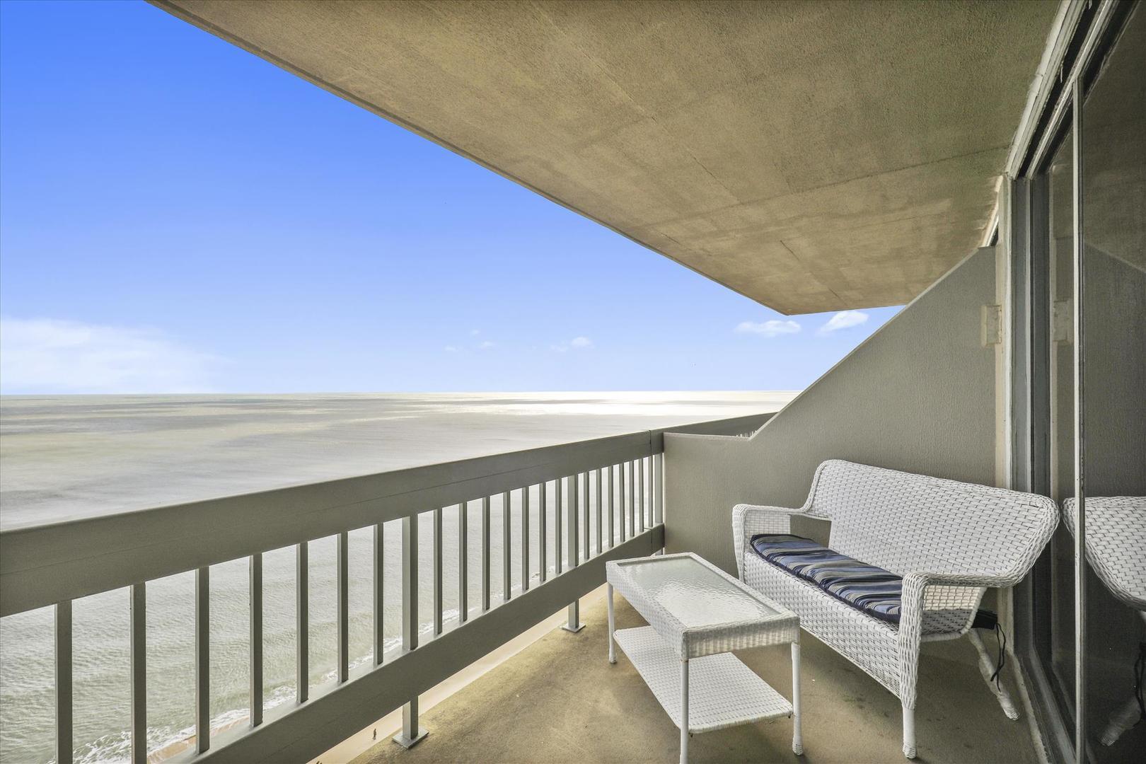 Century I 2210 - Living Room Balcony