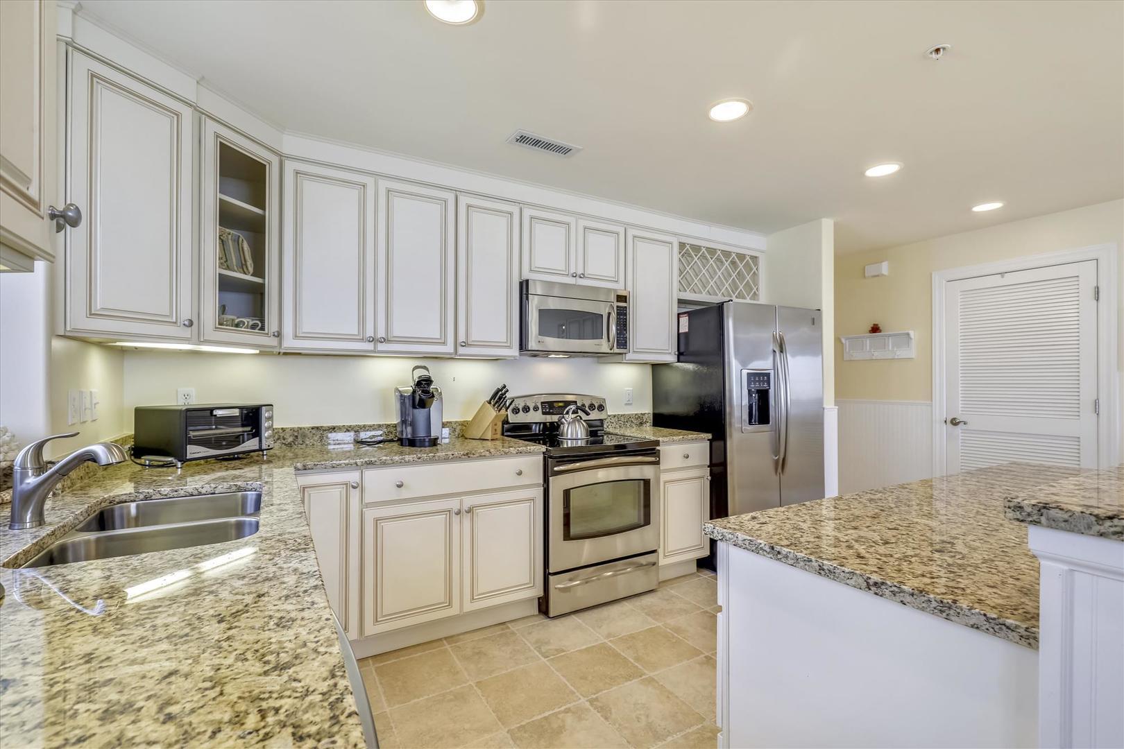 South Beach 304 - Kitchen