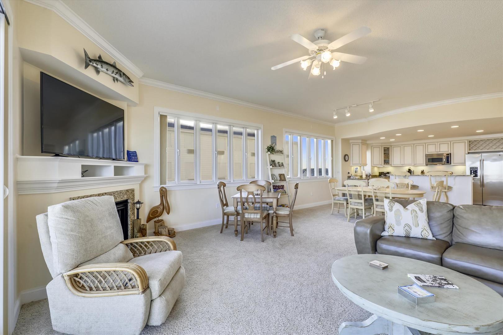 South Beach 304 - Living Room
