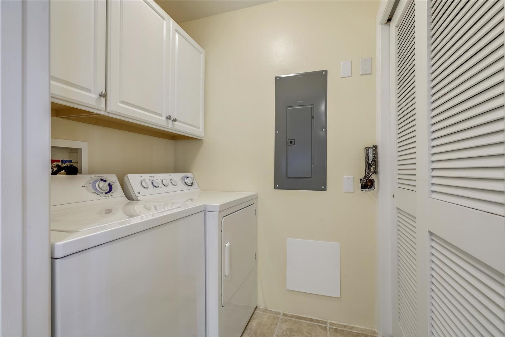 South Beach 304 - Laundry Area