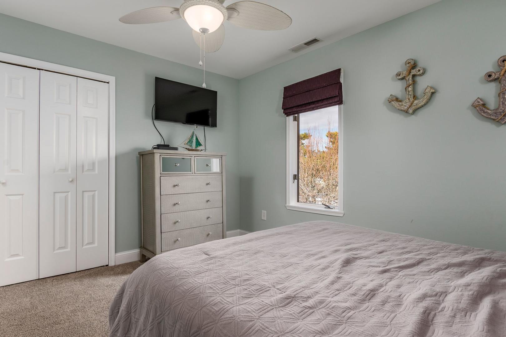 Channel Buoy Retreat - Bedroom 2