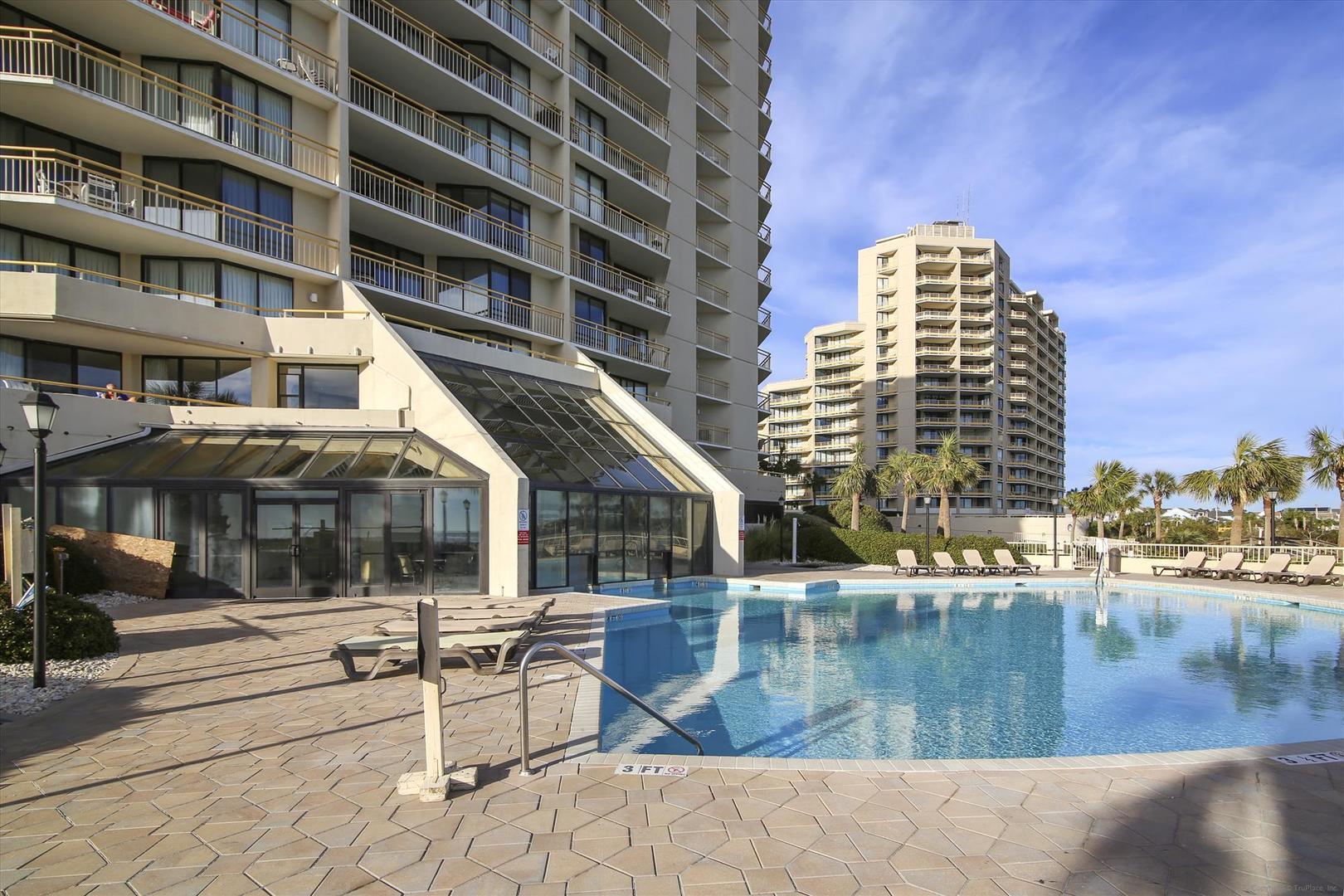 South Tower Outdoor Pool (open seasonally)