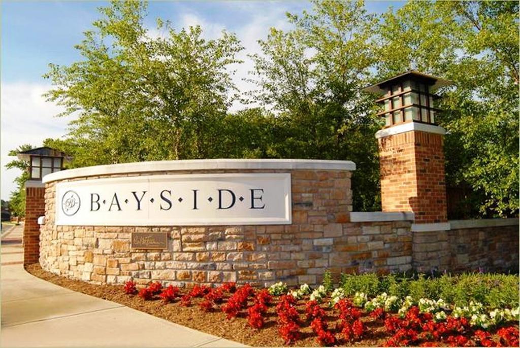 Entrance to Bayside Community