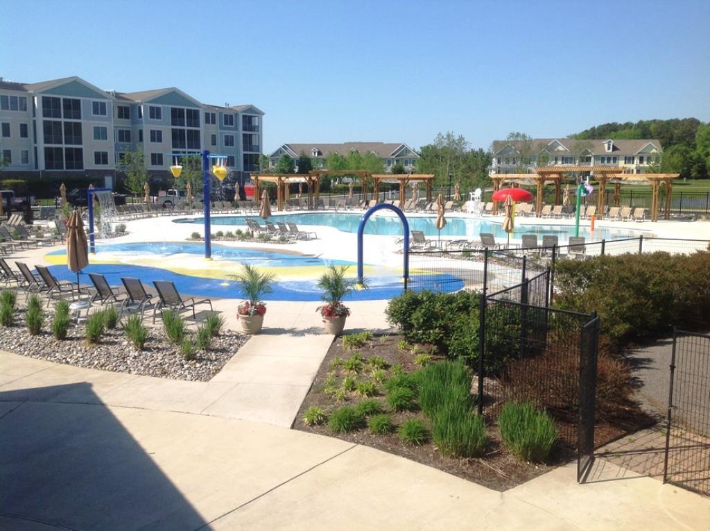 Bayside Pool Areas
