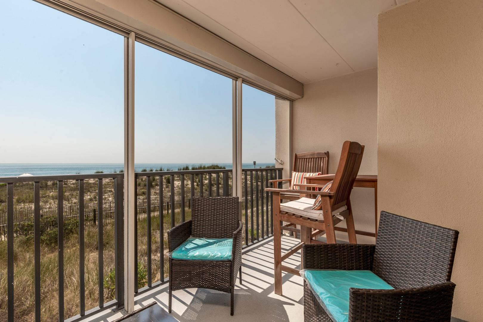 Amber Waves 101 - Oceanfront Balcony