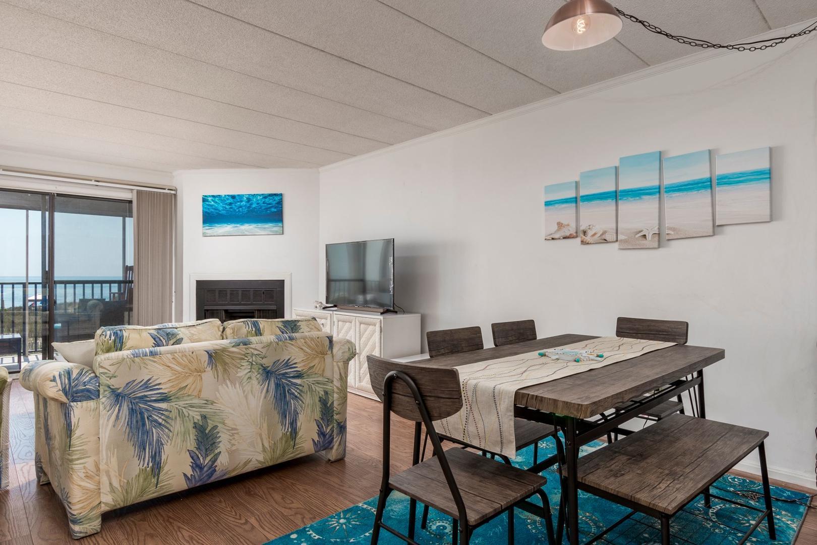 Amber Waves 101 - Living Room with Ocean Views