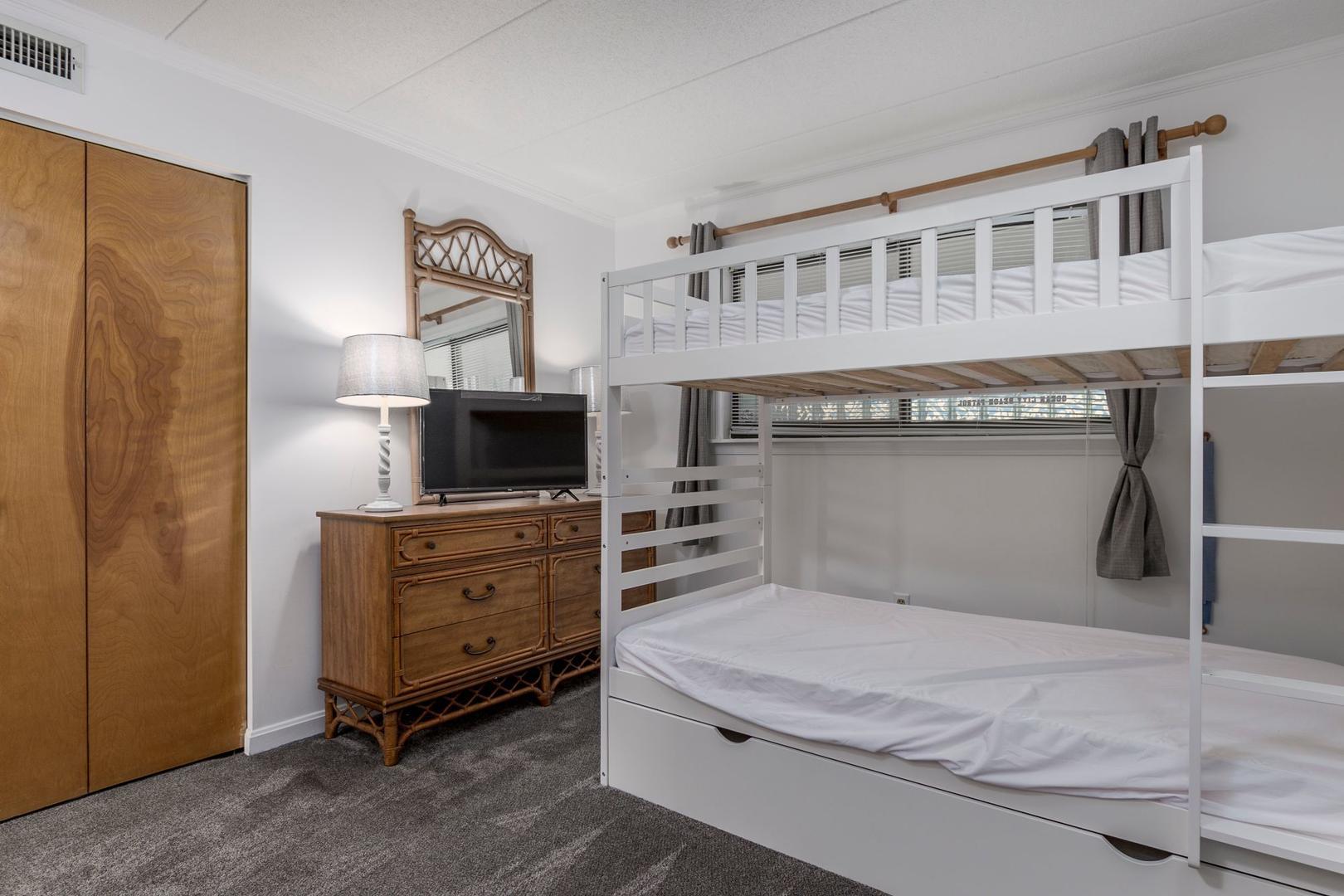 Amber Waves 101 - Bedroom 2