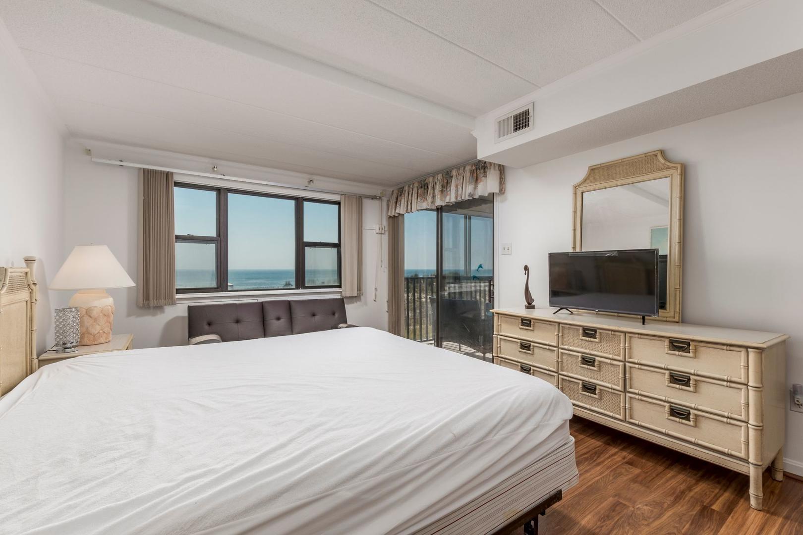 Amber Waves 101 - Master Bedroom