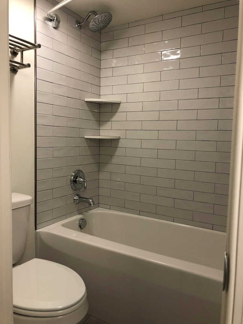 Century I 1622 - Bathroom 2