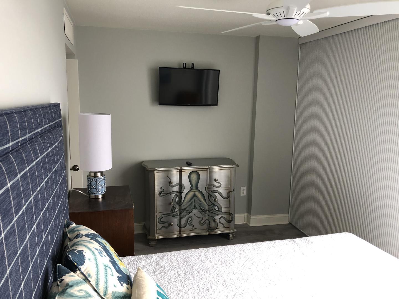 Century I 1622 - Bedroom 2