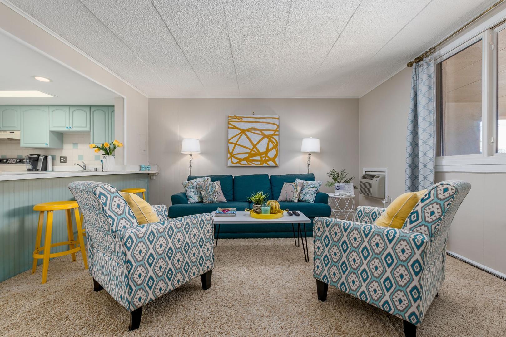 Colonial Condo 202 - Living Room