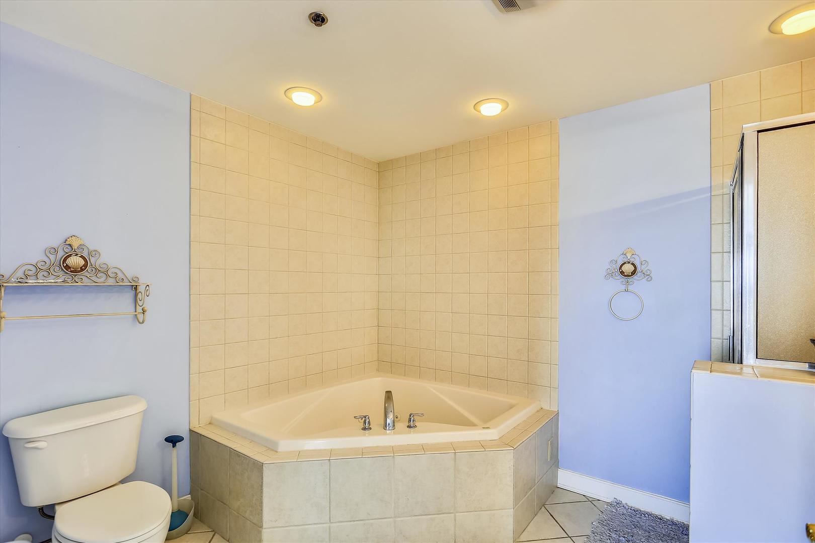 Sunset Bay II 518 - Master Bathroom