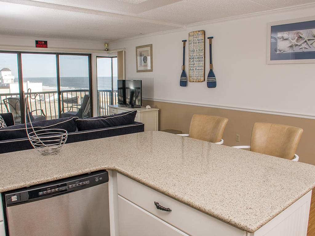 Summer Beach, 608 - Living and Kitchen Area