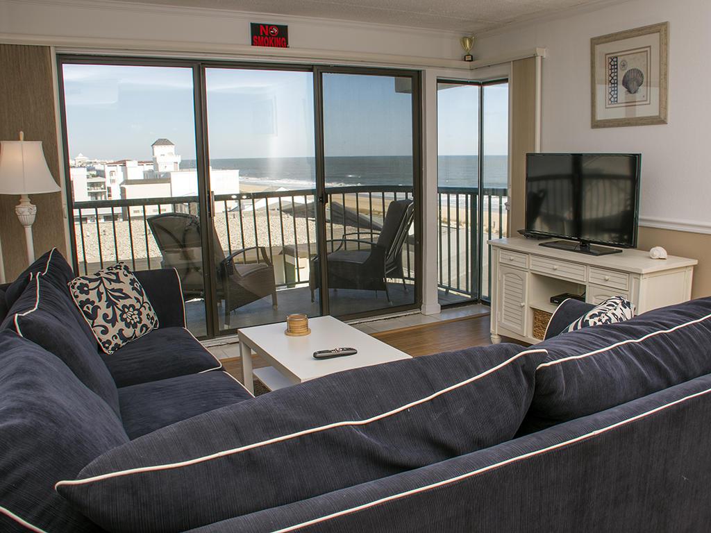 Summer Beach, 608 - Living Room