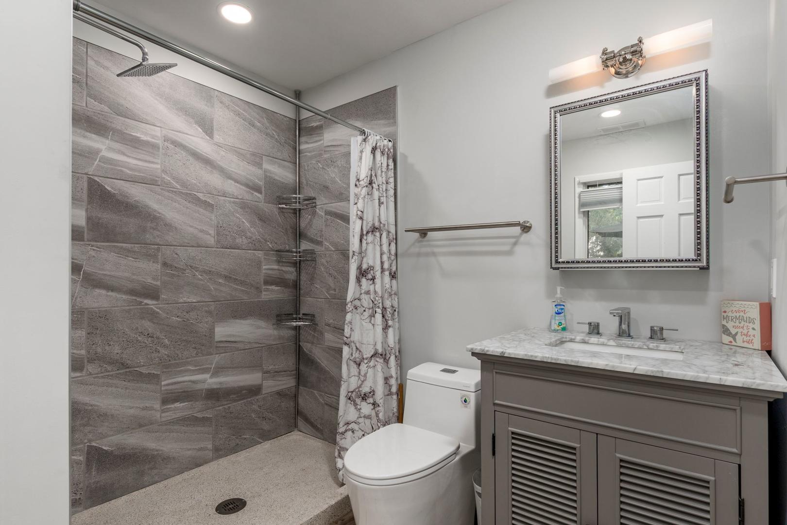 400 Caine Woods - Bathroom