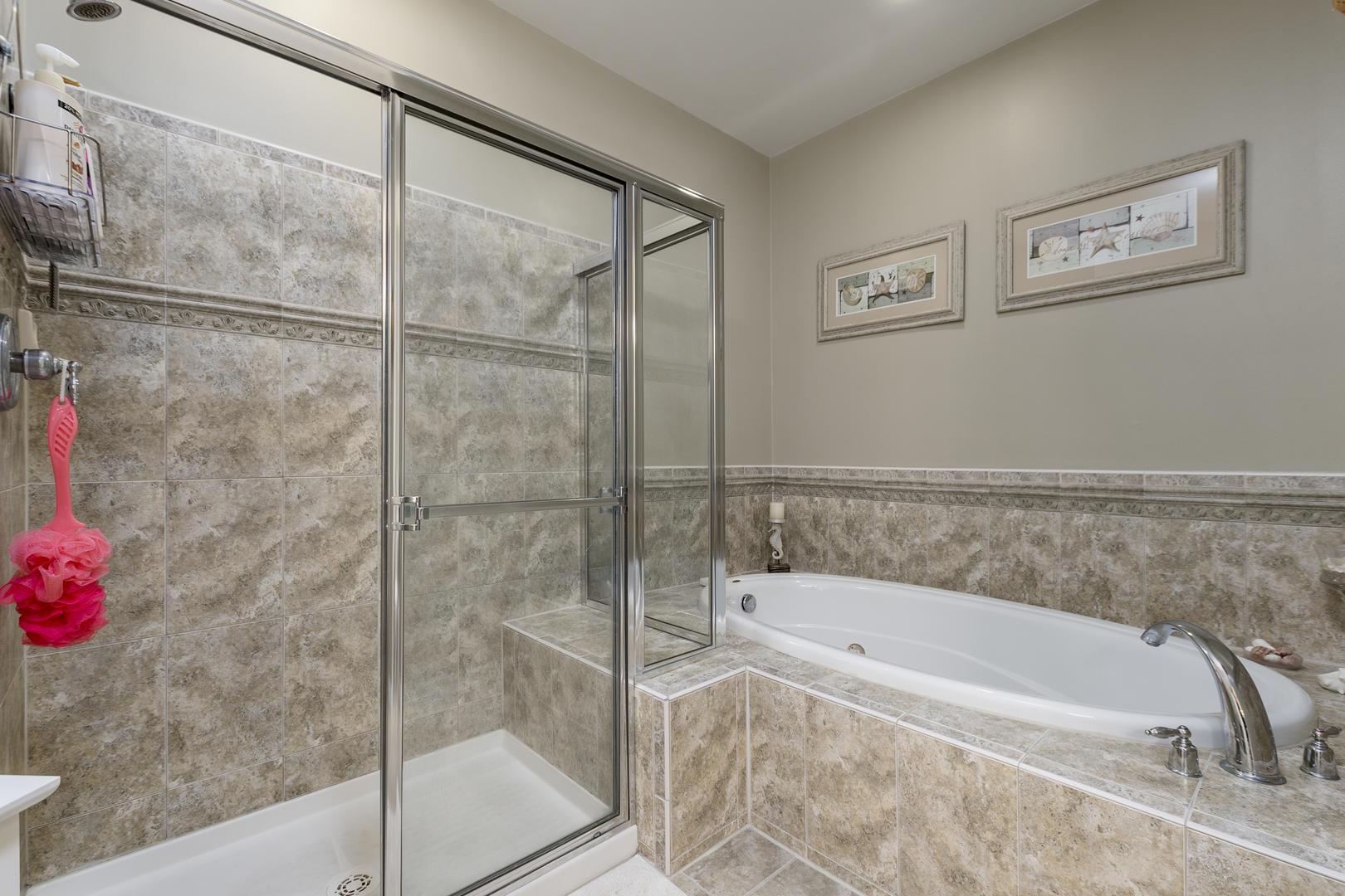 Sunset Island, 6 Sunset Island Drive, 4E - Master Bathroom