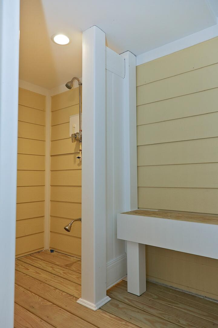 Outdoor Shower - 1611 King and Coastal