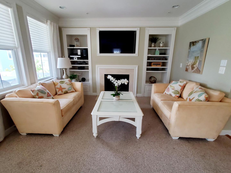 Sunset Island 12 Shore Point Dr. - 2nd Floor Living Room