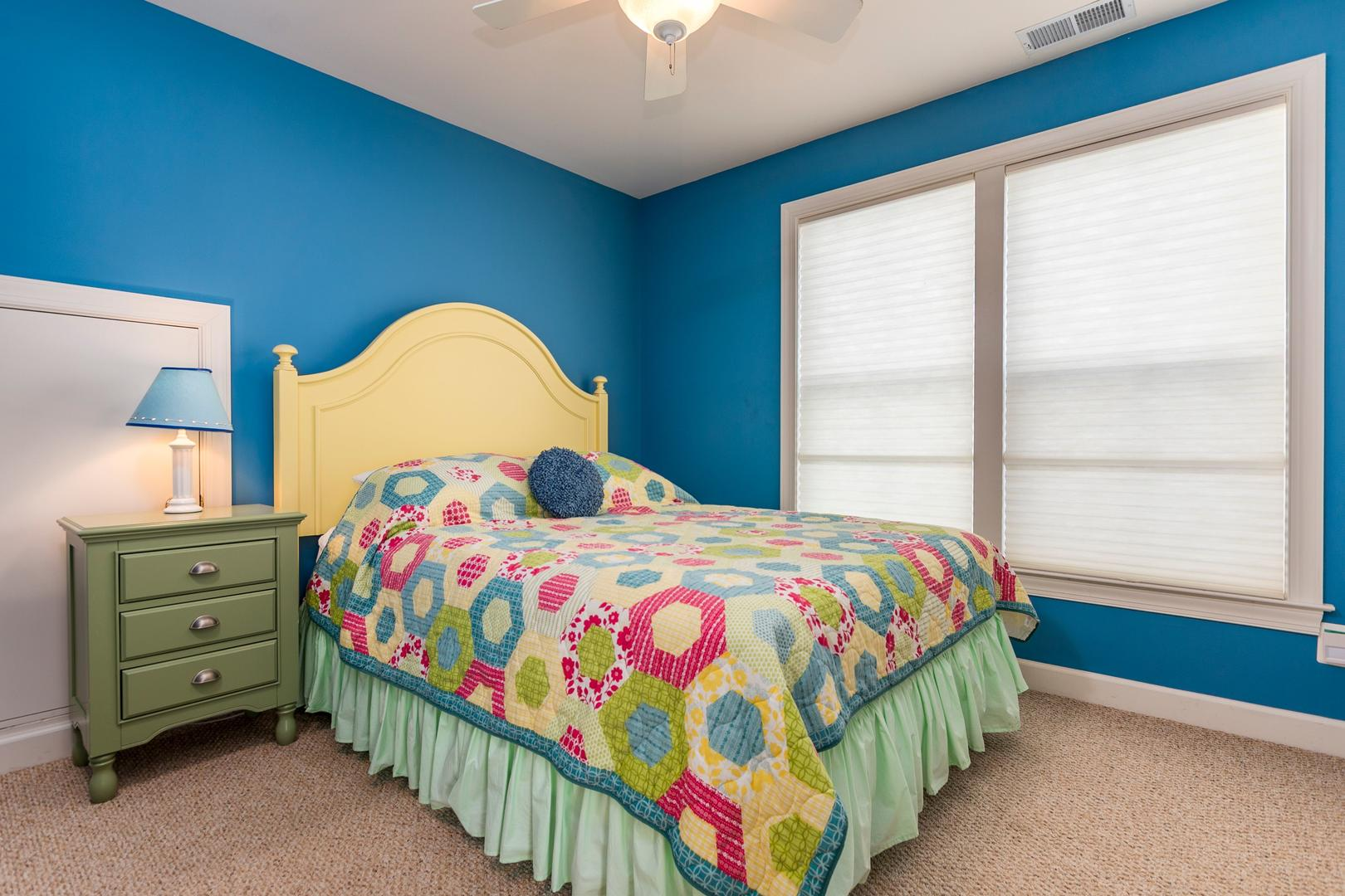 Sunset Island 12 Shore Point Dr. - 3rd Floor Queen Bedroom