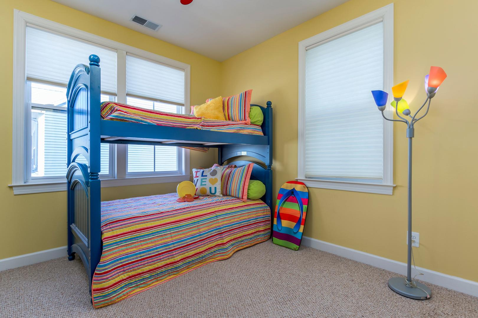 Sunset Island 12 Shore Point Dr. - 3rd Floor Bedroom with Bunk Bed and Trundle