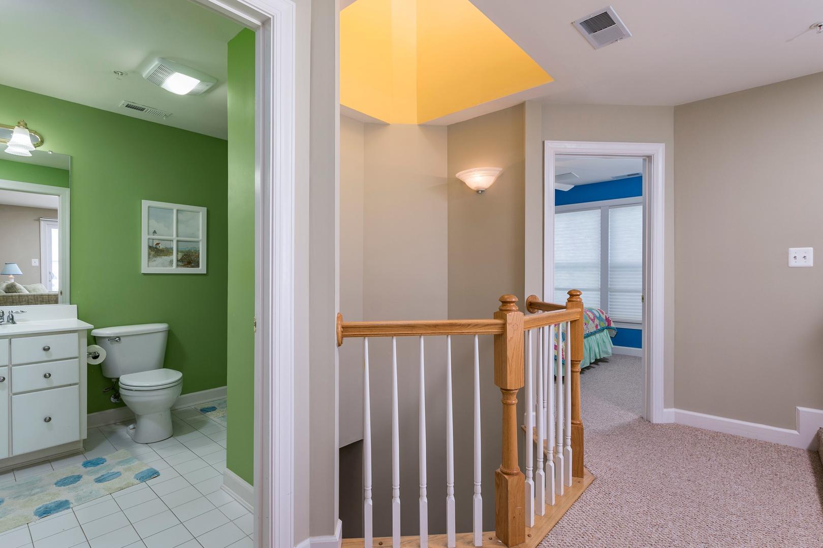 Sunset Island 12 Shore Point Dr. - 3rd Floor Hall Bathroom