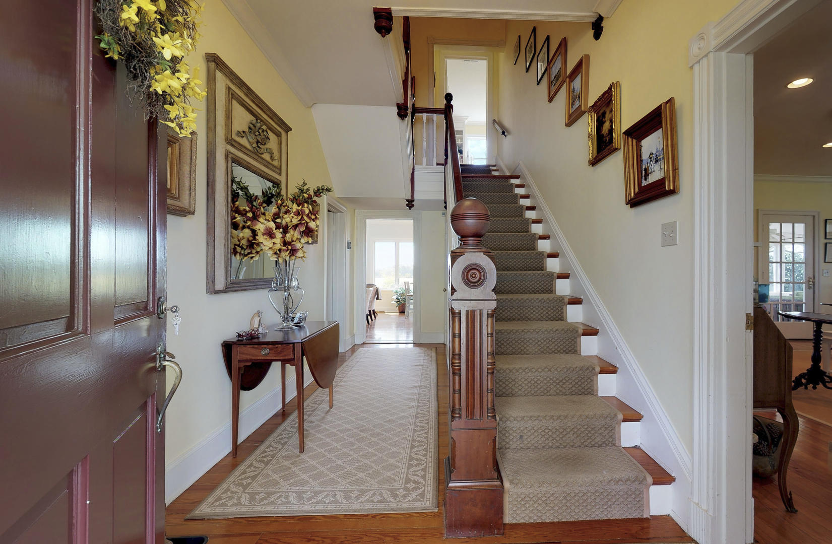 Main Entry/Foyer