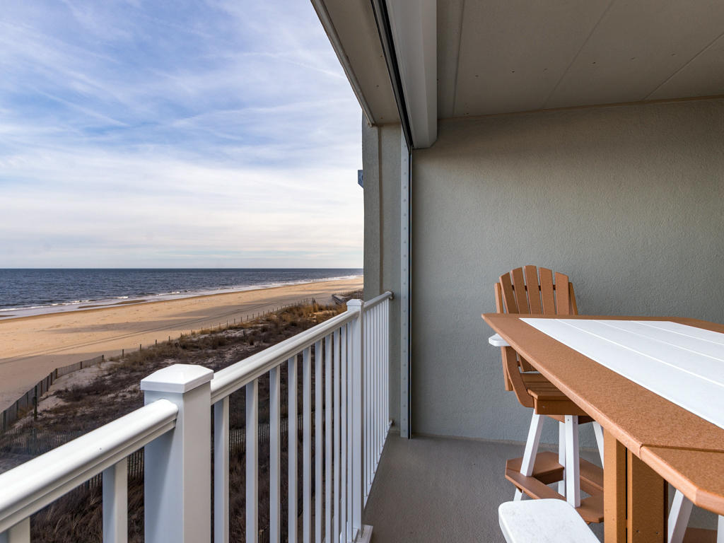 Pelican Beach, 204 - Balcony