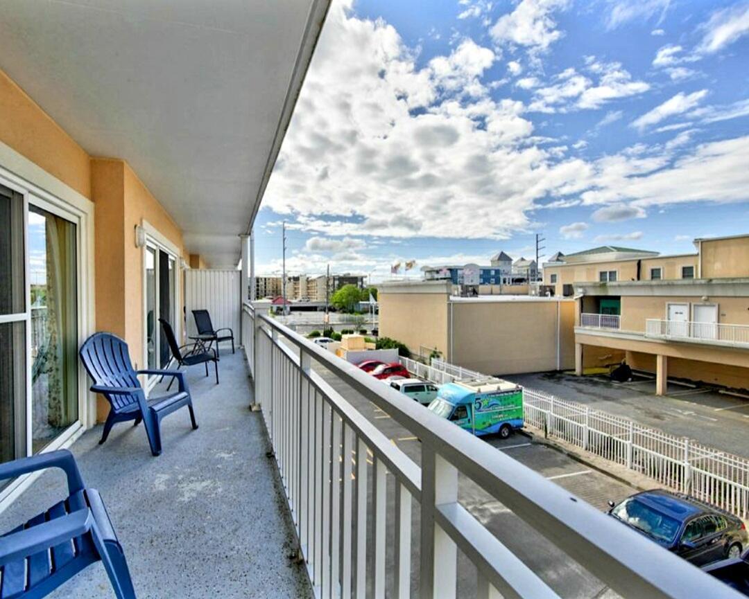 Balcony (Non-Water View) - Sunset Beach 207