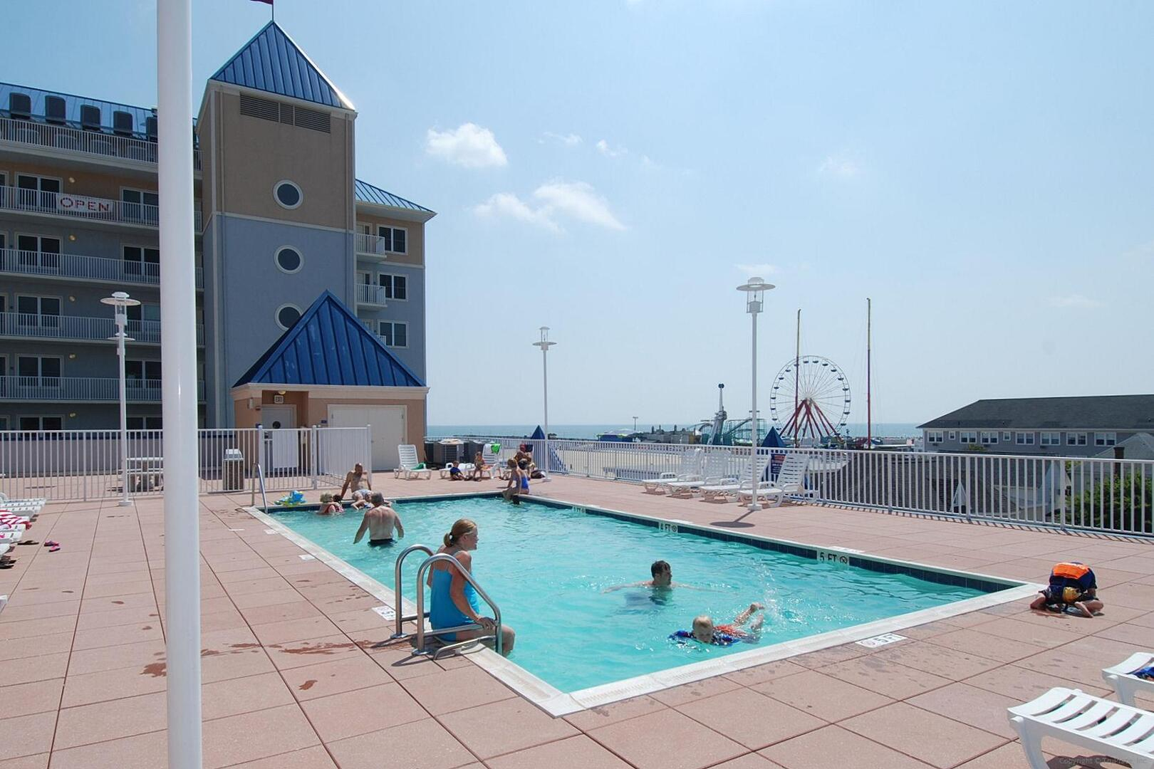 Belmont Towers Rooftop Pool (open seasonally)