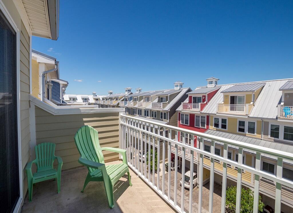 Sunset Island, 34 Island Edge Drive - Top Floor Balcony