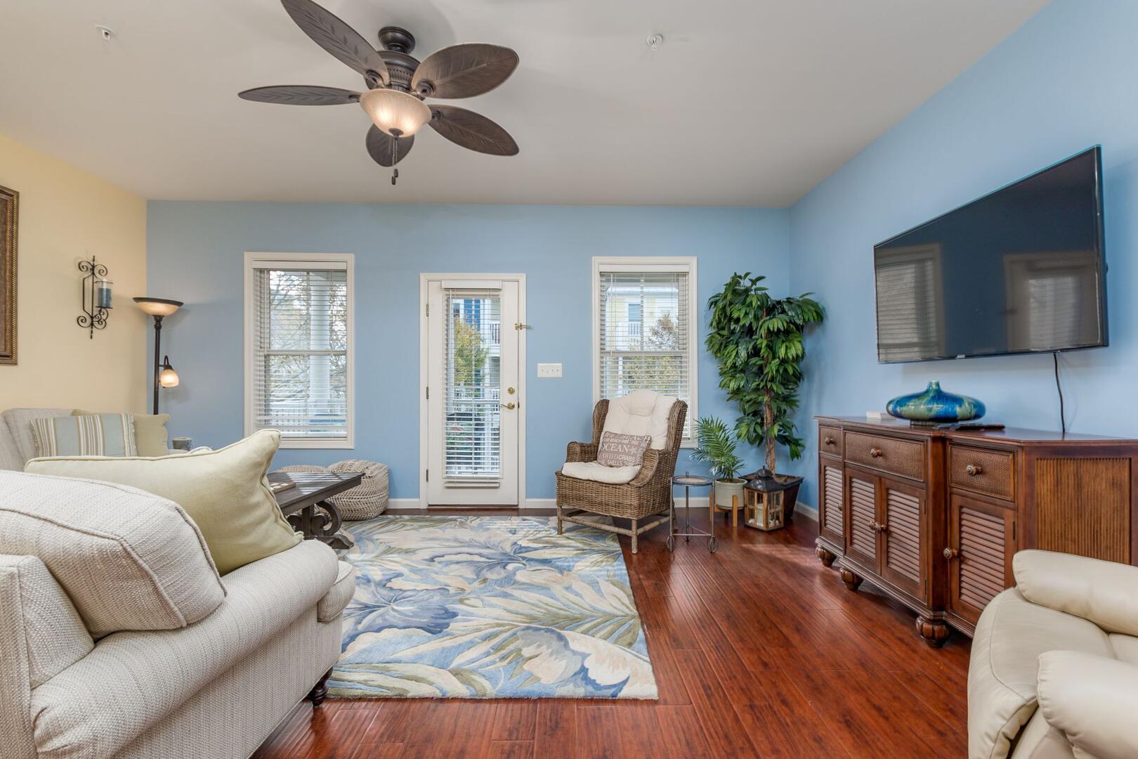 Living Room - Sunset Island 34 Island Edge Dr.