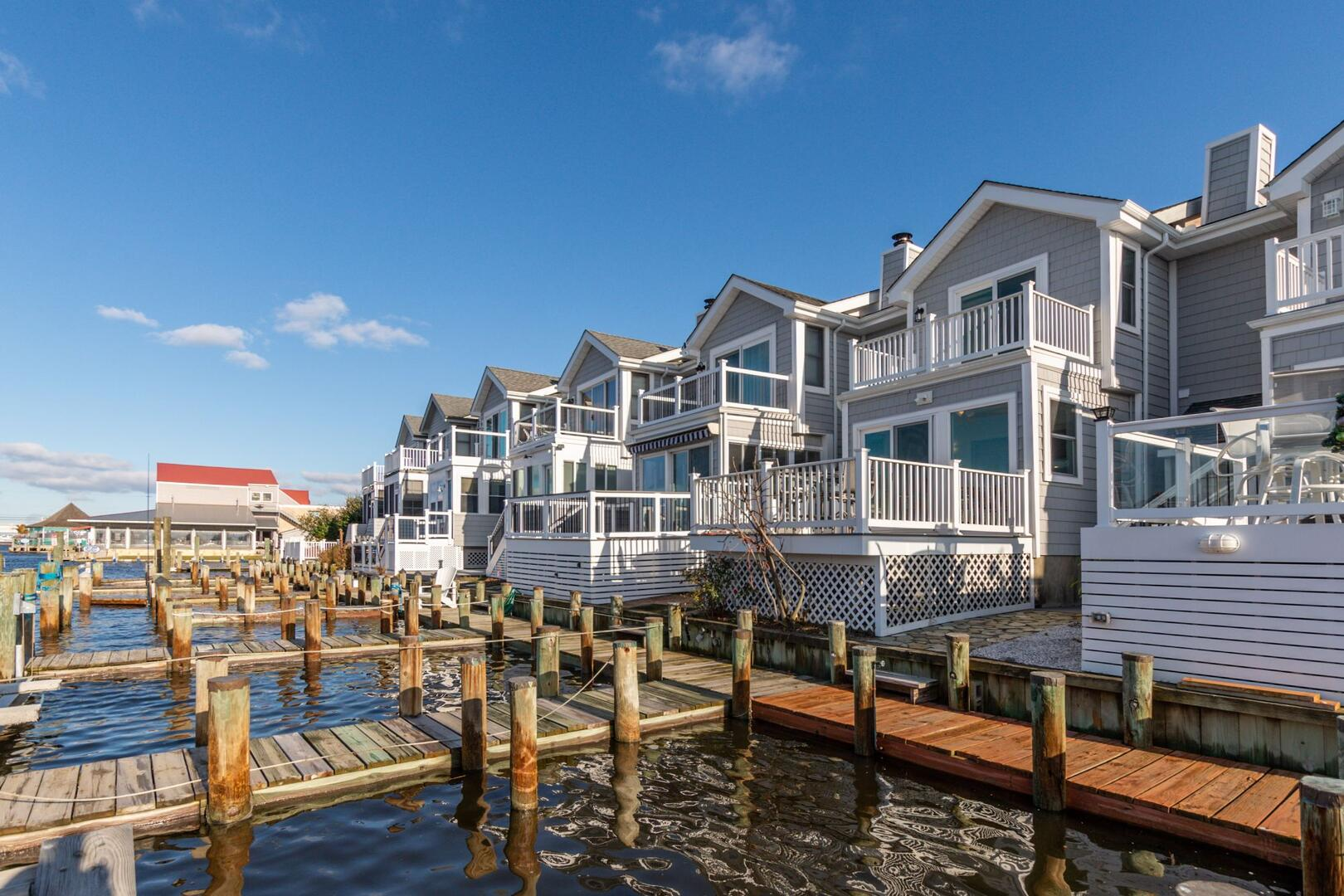 Exterior of Sunset Harbour 14127B