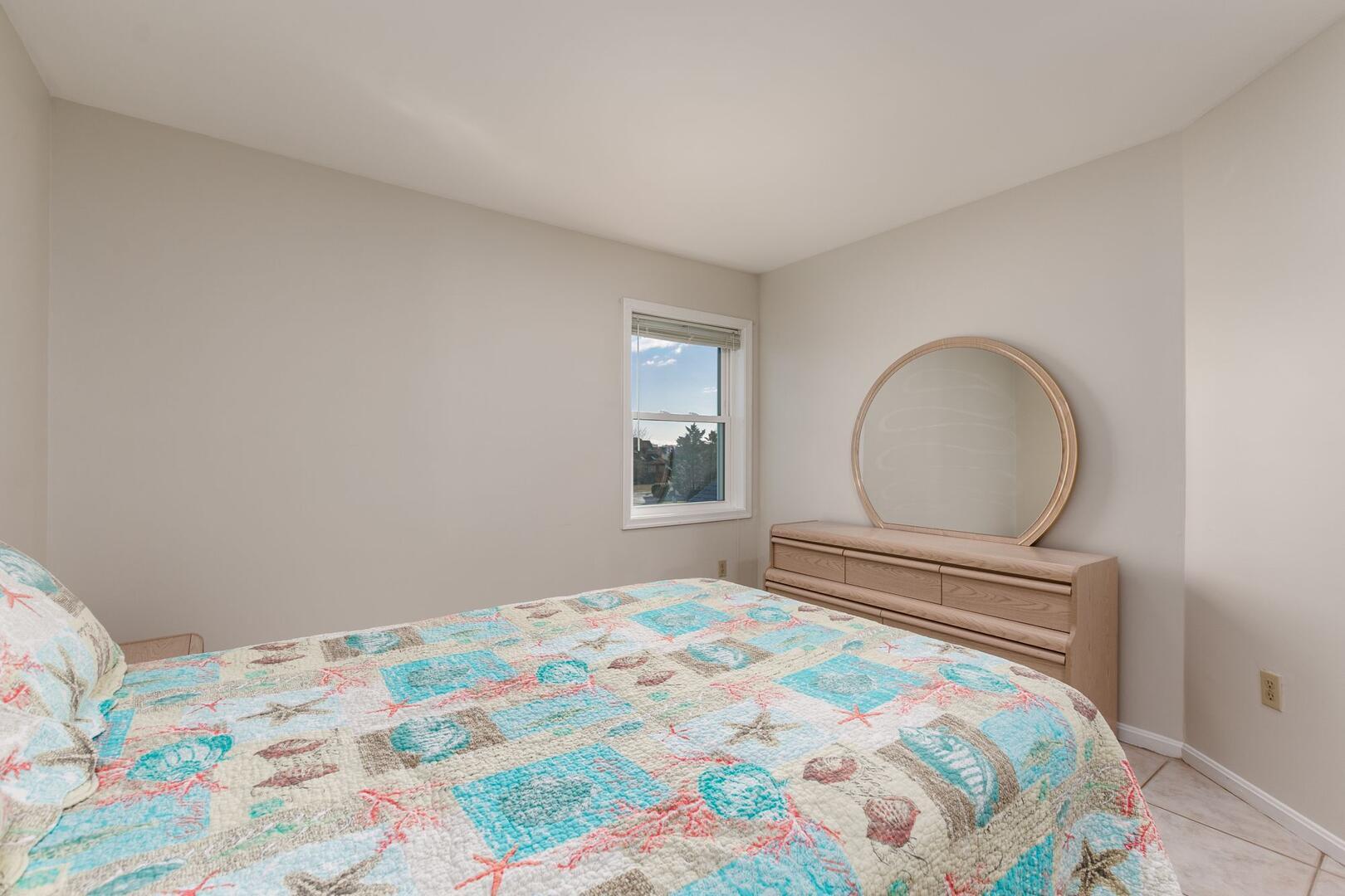 Bedroom 3 of Sunset Harbour 14127B