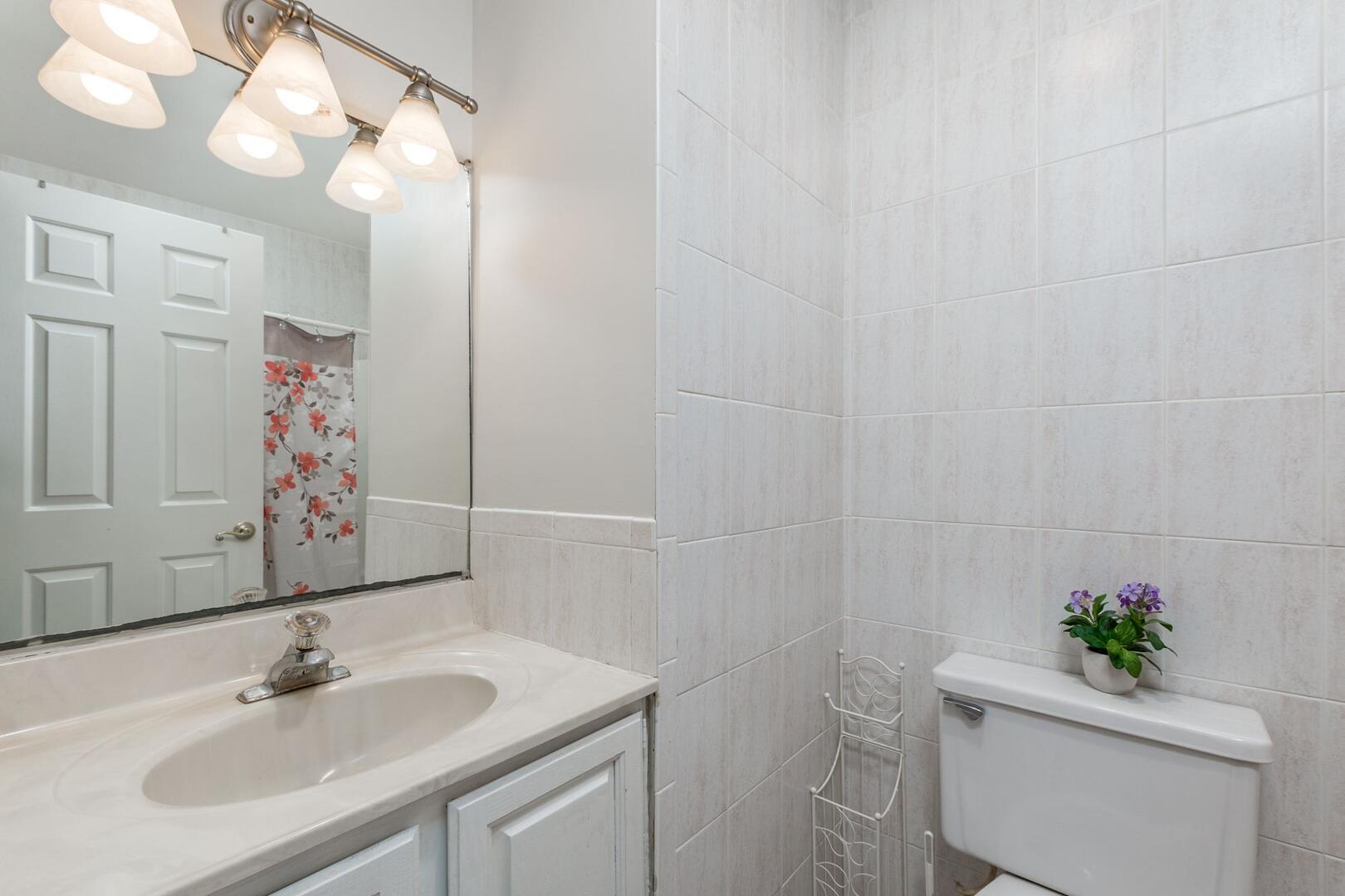 Upstairs Hall Bathroom of Sunset Harbour 14127B